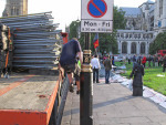 Truck removes fencing from Parliament Square