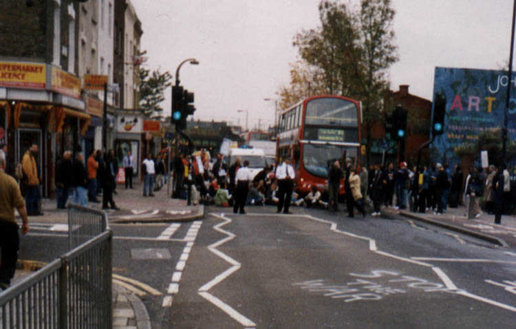 Ignore earlier posts: Here's the Finsbury Park Roadblock picture