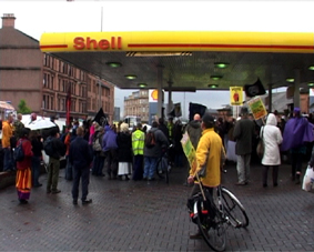 Glasgow Mayday takes over a petrol station