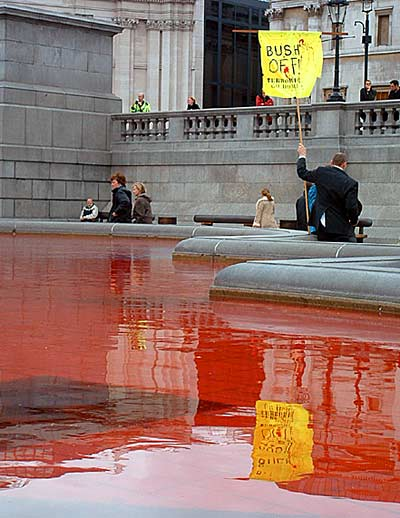 Fountain pool at Trafalgar Square was dyed red.