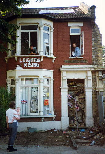 Lifelong home of Richard Leighton re-occupied by protesters