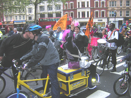 Rhytms of Resistance Samba Band on wheels 1
