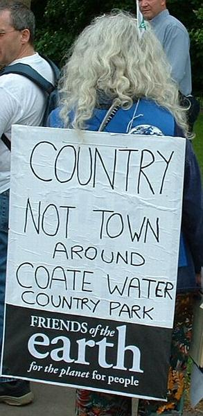 """Country not town around Coate Water Country Park"""