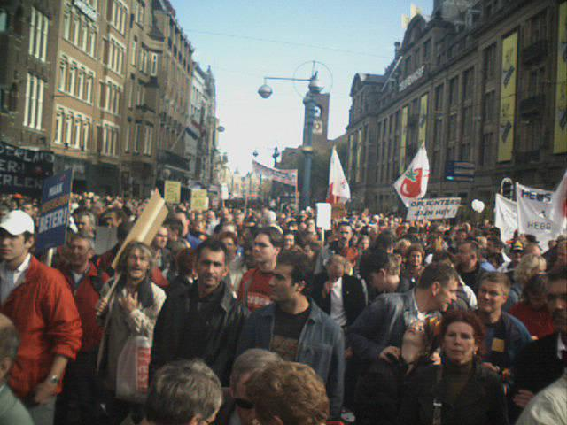 250.000 march in Amsterdam