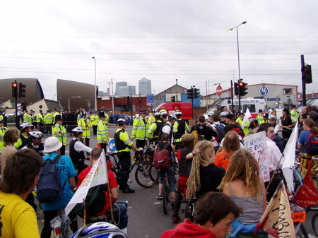 16 silvertown police block