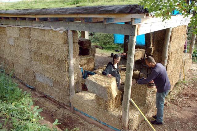 Как своими руками построить саманный дом своими руками 52