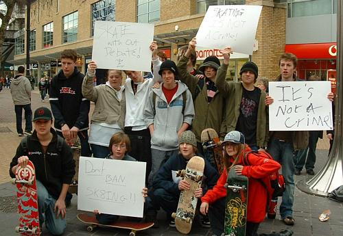 Skater protest - group photo #1