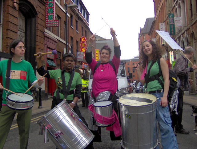 More samba in the streets