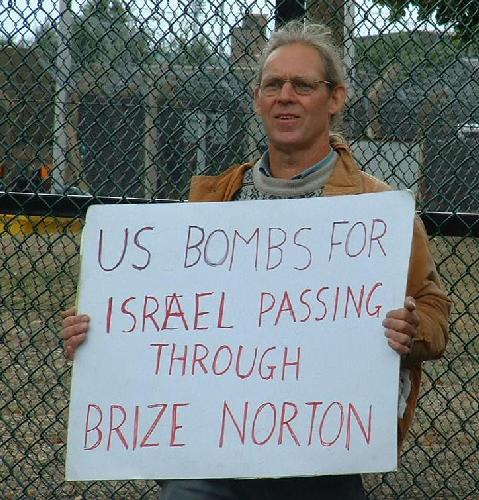 US bombs for Israel passing through Brize Norton