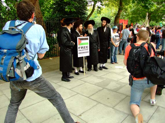 A Rabble provoked by Rabbis!