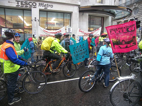 Photo by Mike Greenville : Cyclists arrive at Tescos