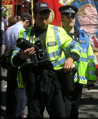 XB92 'Wayne' Rooney pictured with FIT snapper Neal Williams on Mayday 2007
