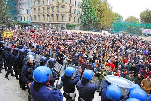 Rome students blockade the Ministry