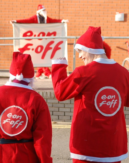 Happy santas send a clear message... E.on F.off