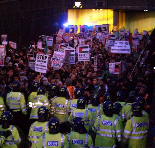 Cops finally allow demo out of Piccadilly underpass