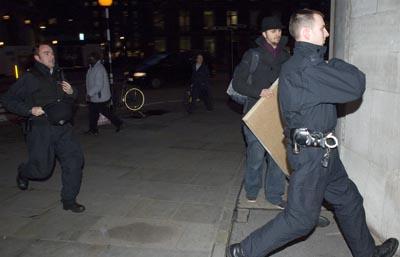 Run officer ruuun!