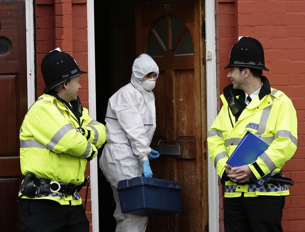 A house raid in Manchester under the Terrorism Act, 9 April 2009