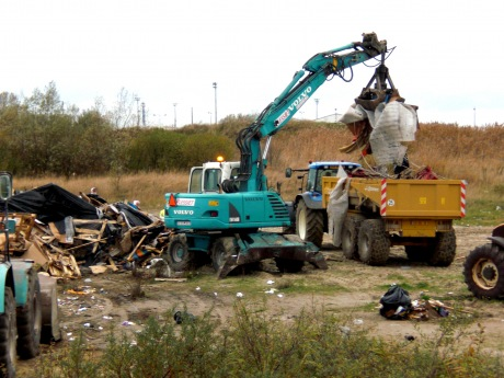 Destruction of jungle in Dunkerque, November 17, 2009