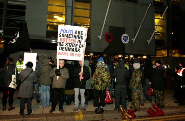 Protest outside the Danish Embassy, London, 17 Dec 09