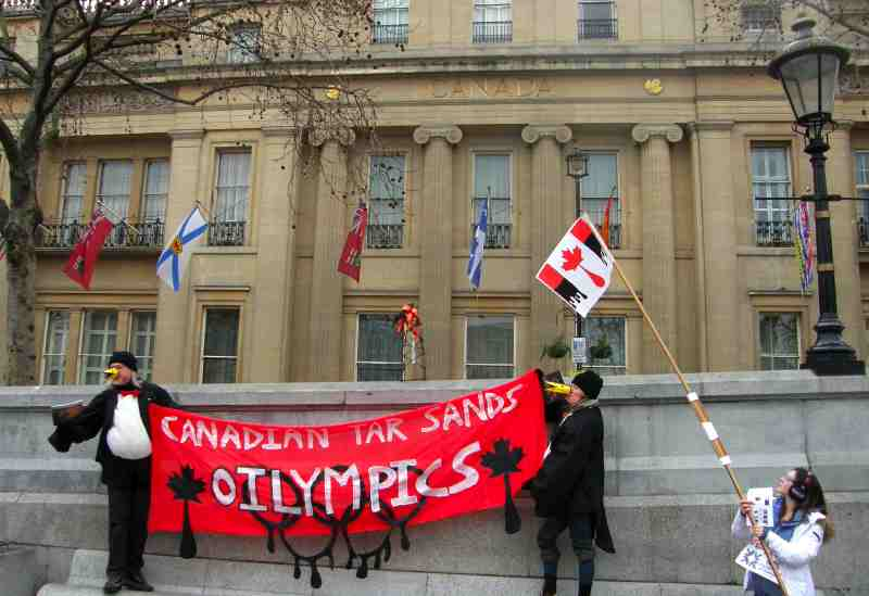 B5. Canada House Attracts Protesting Penguins