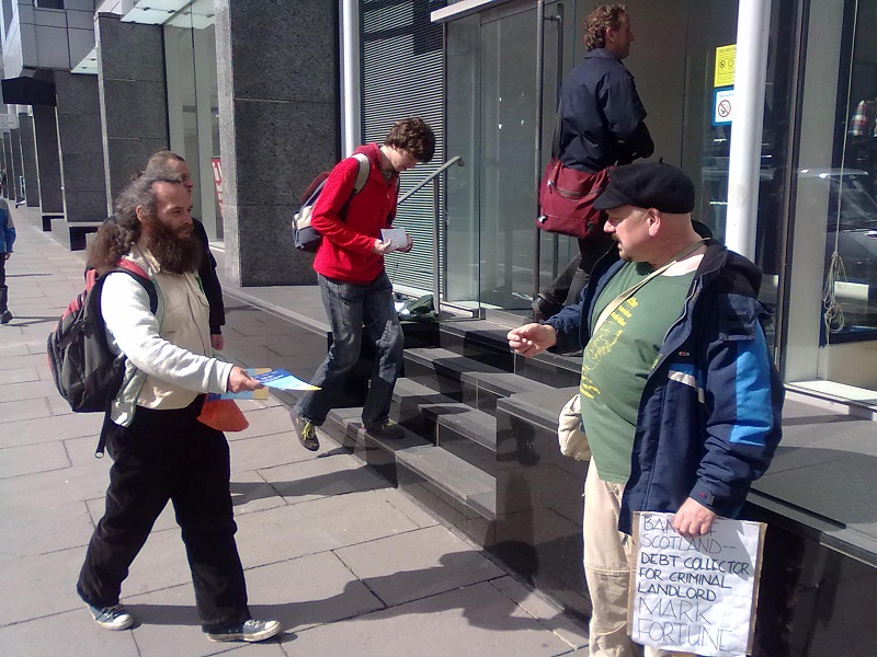 BoS customers and passers-by exchange leaflets