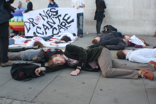 Protesters die-in outside National Gallery